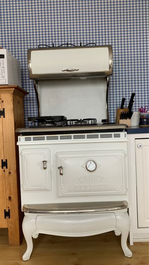 Cooks Delight Vintage white stove for Sale in Anchorage, AK