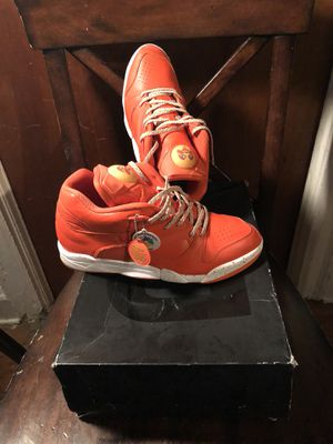 Sneaker Stuff Court Victory Reebok Pumps Sz 12 for Sale in New York, NY