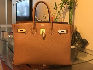Hermes hand bag ( Artificial Leather) for Sale in Chicago, IL