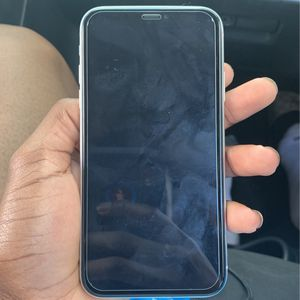 Iphone XR White for Sale in Fort Lauderdale, FL
