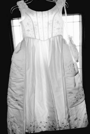 Pretty white dress for first communion size 6 for Sale in South Gate, CA