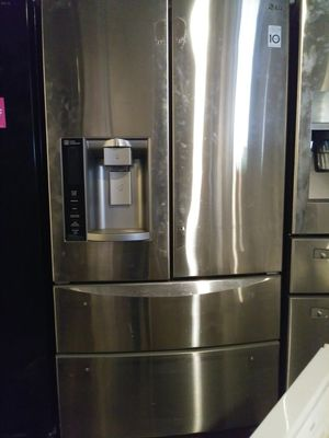 LG stainless steel 4-door French style refrigerator for Sale in Cleveland, OH