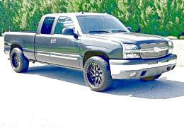 ֆ14OO 4WD CHEVY SILVERADO 4WD for Sale in Twentynine Palms, CA