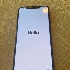 Locked iPhone XS for Sale in Vancouver, WA