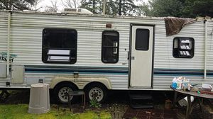 Damon 26 Foot travel trailer for Sale in Portland, OR