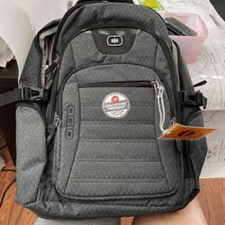 Ogio Backpack and Laptop Protector for Sale in Glendale,  CA
