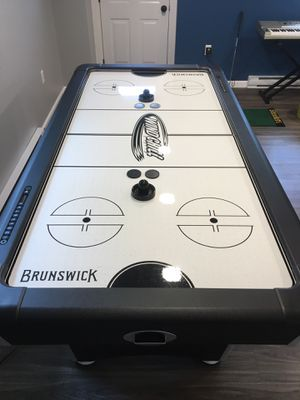 Wind Chill Air Hockey Table by Brunswick Billiards for Sale in Bethel Park, PA