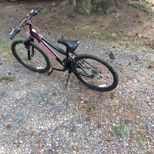 21 speed women mountain bike $30 for Sale in Portland, OR