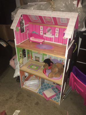 Doll House for Sale in Oakland Park, FL