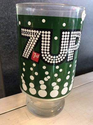 Vintage 7up large glass for Sale in Clackamas, OR