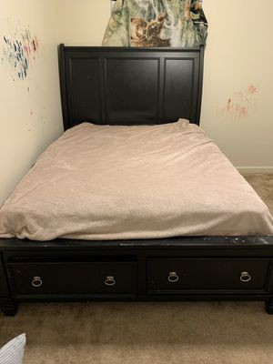 Queen bed frame with mattress for Sale in Lawton, OK