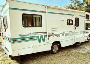 $1OOO Price 2OO1 Winnebago Minnie Winnie for Sale in Wichita, KS
