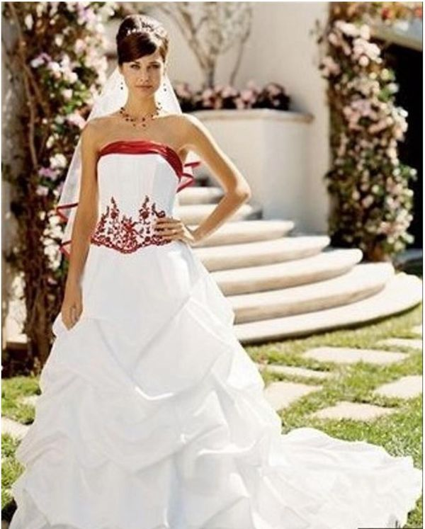 White elegant wedding dress size 14 with apple red colors
