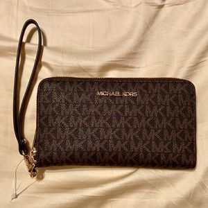Michael Kors Jet Set Wallet for Sale in San Antonio, TX