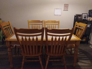Table with 6 chairs for Sale in Redmond, OR