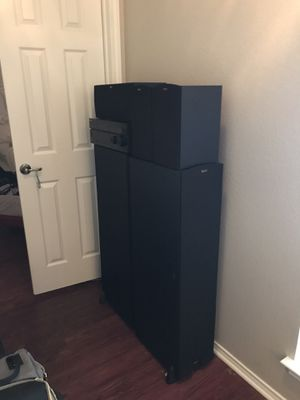 Barely used Klipsch home theatre system for Sale in Kyle, TX
