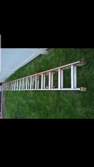 40 ft aluminum extension ladder for Sale in Seattle, WA