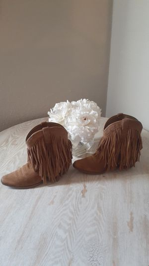 Fringe Boots Size 3 Us fits a 5.5 womens for Sale in Fort Worth, TX