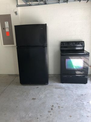 Fridge and Stove for Sale in Zephyrhills, FL
