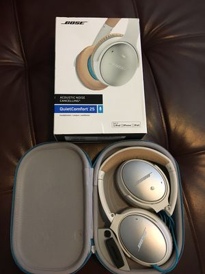 Bose acoustic noise cancelling headphone (QC 25) for Sale in Snohomish, WA