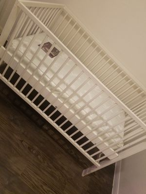 baby crib with mattress for Sale in Bellaire, TX