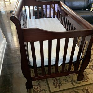3 In 1 Convertible Crib for Sale in Stonecrest, GA