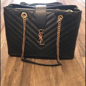 YSL Black Chevron Pebble Leather Purse for Sale in Austin, TX