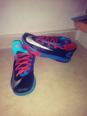 Nike Kevin Durant size. 11.5 for men chequen mis ofertas😜😘😘😦😦😘😜 for Sale in Los Angeles, CA
