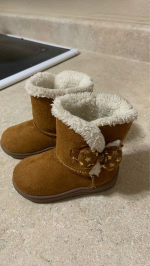 Toddler girls boots size 4 for Sale in Covington, WA