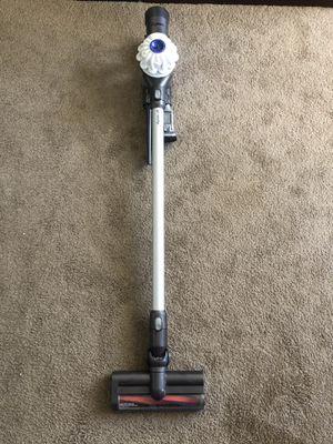 Dyson v6 Motorhead animal vacuum for Sale in Lynnwood, WA