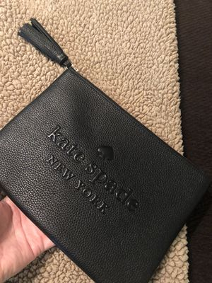 Kate spade leather pouch nwot for Sale in Victoria, TX