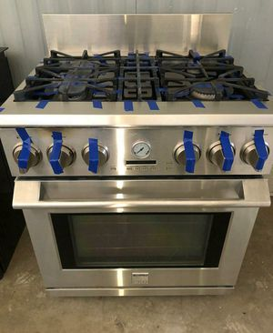 """Used Kenmore Dual Fuel 30"""" Range Good Condition Gas Top & Oven 220V for Sale in Homeland, CA"""
