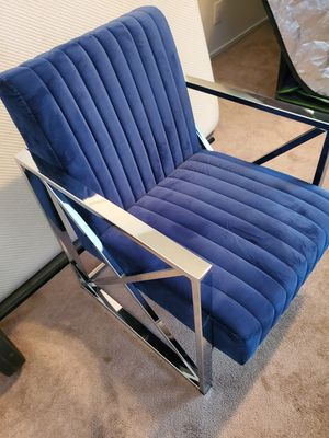 Velvet Accent Chair for Sale in Bakersfield, CA