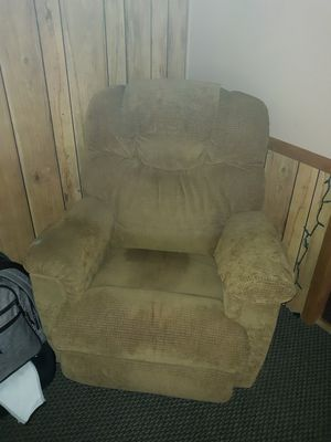 2 matching lazyboy recliners for Sale in Cumberland, VA