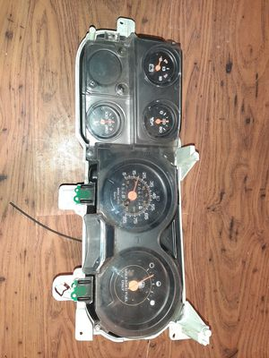 1992 chevy k20/suburban instrument cluster for Sale in Seattle, WA