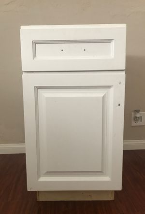Kitchen base cabinet for Sale in Long Beach, CA