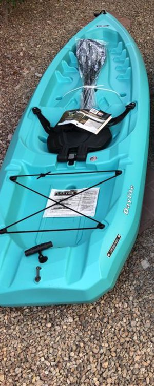 Kayak Daylite with Paddle (New) Have 4 avaialble for Sale in Las Vegas, NV
