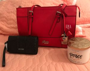 Guess purse and wallet for Sale in Phoenix, AZ
