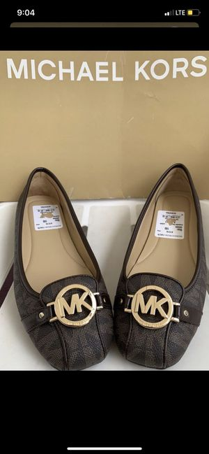 MICHAEL Michael Kors Lillie Signature Logo Flats size 10 New with tags (No Box) Serious inquires only please Pick up only for Sale in Whittier, CA