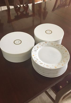 Set of eight Pampered Chef plates. Perfect for appetizers, salad or dessert. In perfect condition and in boxes. for Sale in Herndon, VA