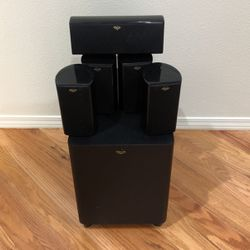 Klipsch Theater Pack 5.1 Channel Surround Sound speaker System for Sale in Oregon City,  OR