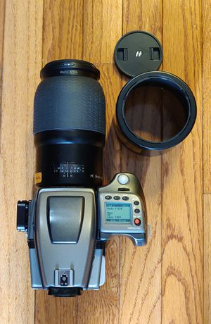 Hasselblad hc 120mm macro for H body for Sale in Palos Hills, IL