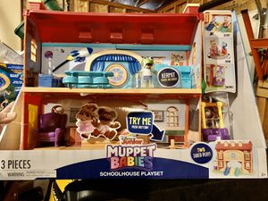 New in box muppet babies schoolhouse playset for Sale in Ramsey, MN