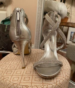 Steve Madden silver heels for Sale in Brownsboro, AL