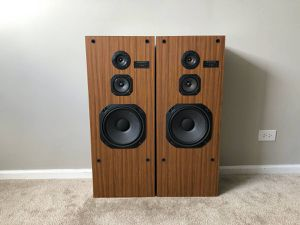 Kenwood 3 Way Tower Home Floor Standing Speakers for Sale in Mount Prospect, IL