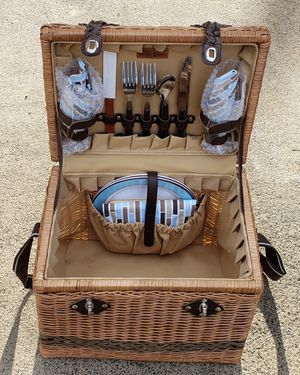 """Fancy High Quality Luxury Picnic Time Picnic Basket for Two 15""""X 13"""" X 12"""" Clean and Nice! for Sale in Lake Elsinore, CA"""