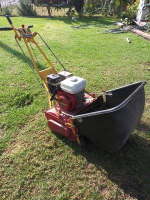 Mc lane reel lawn mower for Sale in Bell Gardens, CA