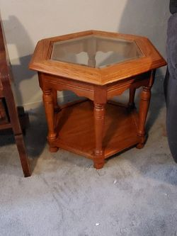 Free End Table With Purchase of Bedroom Set! for Sale in St. Louis,  MO