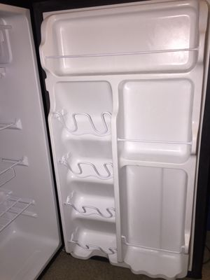 Arctic king mini fridge for Sale in Kent, WA