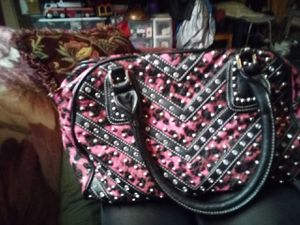 3c9274a1f309 Pink and black Haley beez purse only used a few times for Sale in  Pleasanton,